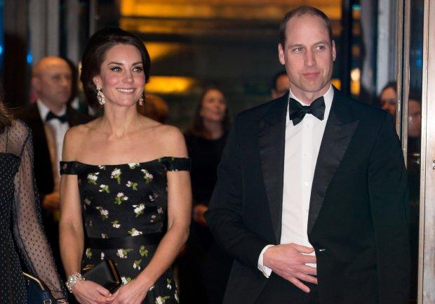 """Кейт Миддлтон и принц Уильям на грани, устали терпеть: """"Один маршрут, но разные лодки"""""""