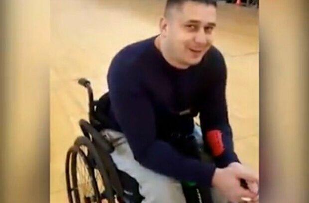 """Нескорений герой Донбасу взявся за лук та стріли у інвалідному візку: """"Мрію навчитися ходити заново"""""""