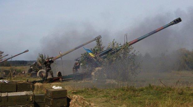 """Українські """"боги війни"""" знищили КамАЗ бойовиків: відео"""