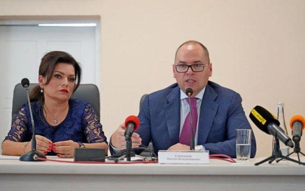 Максим Степанов взяв під контроль ситуацію в Білгород-Дністровському: мер залишається на посаді