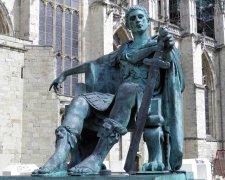 Памятник Константину Великому в Йорке