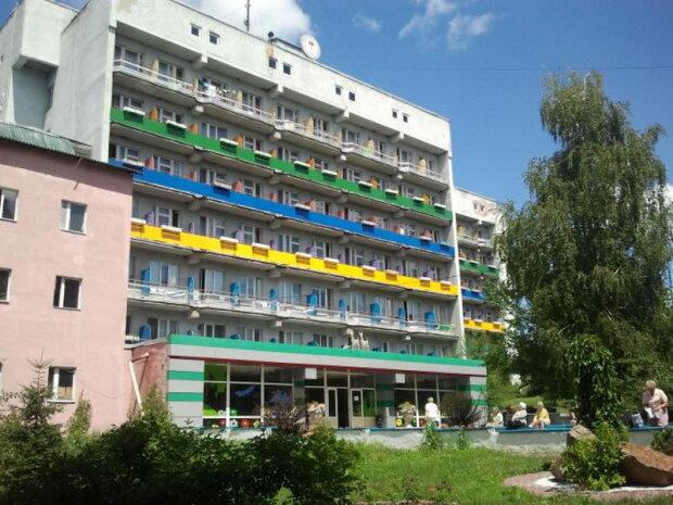 У Кернеса вирішили долю дитячого санаторію під Харковом, земля - під котеджі: журналісти розкрили схему на мільйони