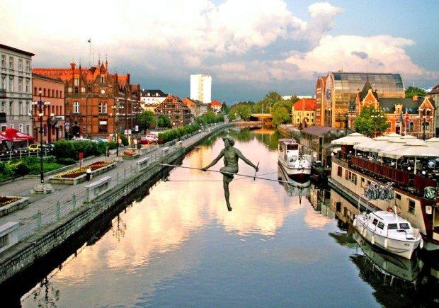 Перелет в Польшу за 4.9 евро: дешевле, чем плацкарт по Украине