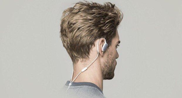 Xiaomi представила сразу 3 продукта: наушники, кроссовки, и USB-кабель