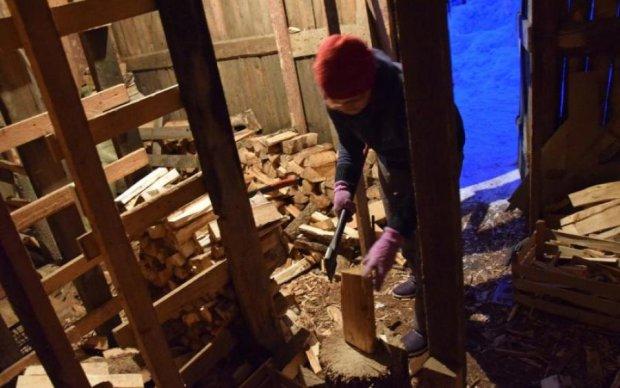 Готовьте дрова: новые тарифы на газ заставят украинцев мерзнуть