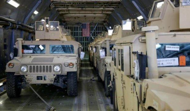США  передадуть Україні ще 100 броньовиків Humvee