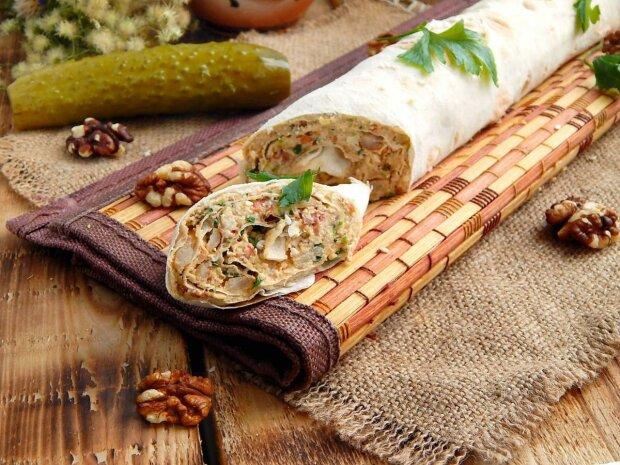 Рулет из лаваша с курицей и сыром: рецепт, который понравится каждому