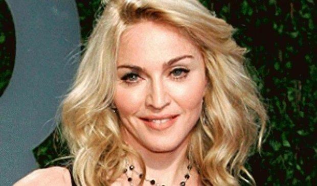 Мадонна встречается с на 32 года младшим