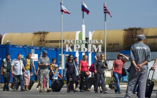 Гори сміття і сіра вода: на що окупанти перетворили курорти Криму