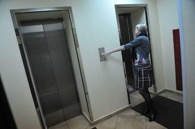 В лифте, фото из свободных источников