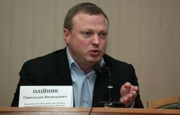 СМИ: Глава Днепропетровского облсовета Олейник прячет с помощью семьи недвижимость и бизнес