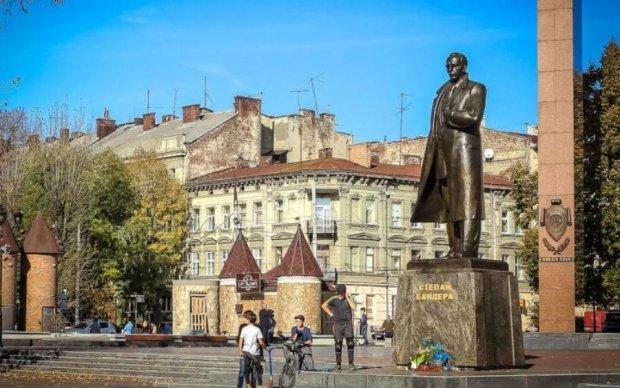 Агент под прикрытием: убийцу Степана Бандеры наконец рассекретили