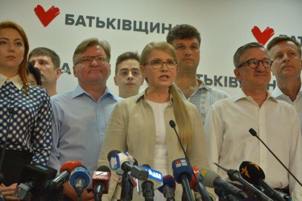 Разумков, Тимошенко, Вакарчук, Порошенко: як лідери відреагували на результати виборів - гучні заяви та звинувачення