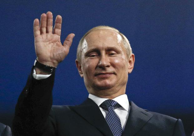 Нервный тик и перевернутое R: Лондон с самого утра ржет над Путиным