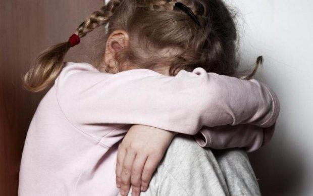Поглумился над 10-летней девочкой: украинцам показали лицо извращенца