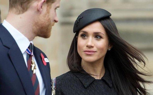 Королевский скандал: Елизавета II запретила отцу Меган Маркл появляться в Лондоне