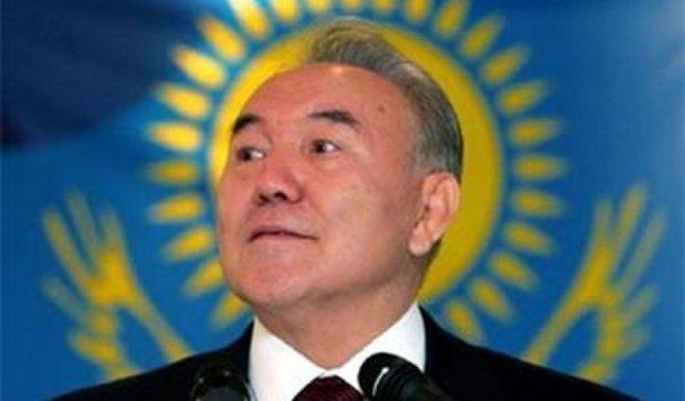 Назарбаєва переобрали у Казахстані - попередні дані ЦВК
