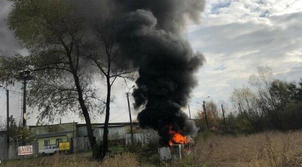 """Львів накриває смородом і чорним димом, містяни не знаходять слів - """"Чим ми дихаємо?"""""""