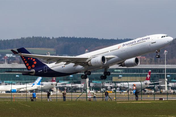 """Киянам обріжуть """"крила"""": популярна авіакомпанія закриває рейси до столиці"""