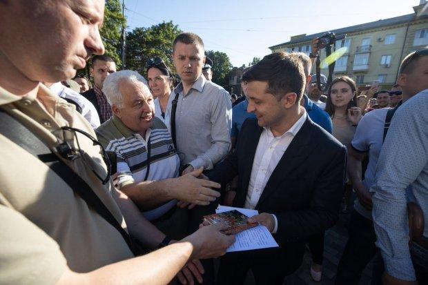 """Українці відшукали містичну """"капсулу часу"""" Зеленського: чекала на нього з часів КВК"""