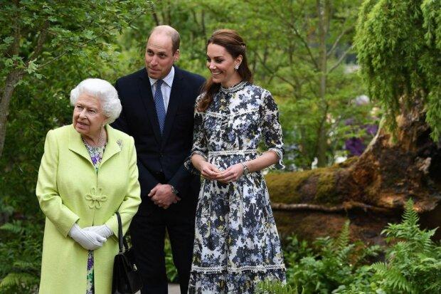 Елизавета II, принц Уильям и Кейт Миддлтон, фото: Instagram / kensingtonroyal