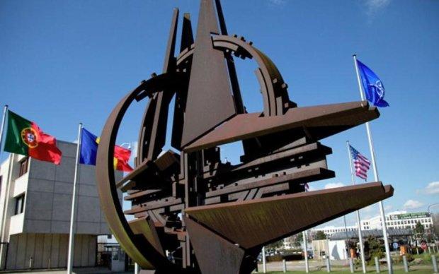 НАТО намагається домовитися з Росією