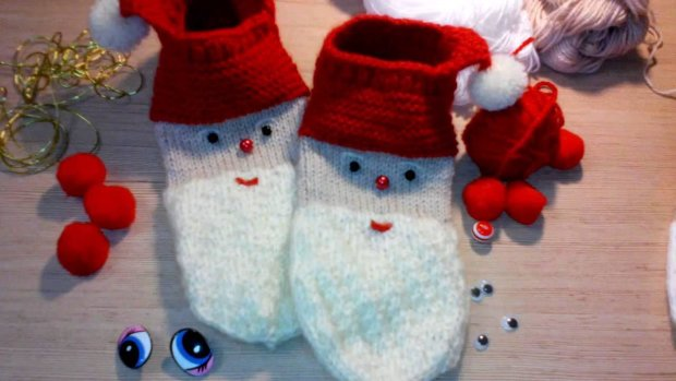 Варежки в форме Деда мороза