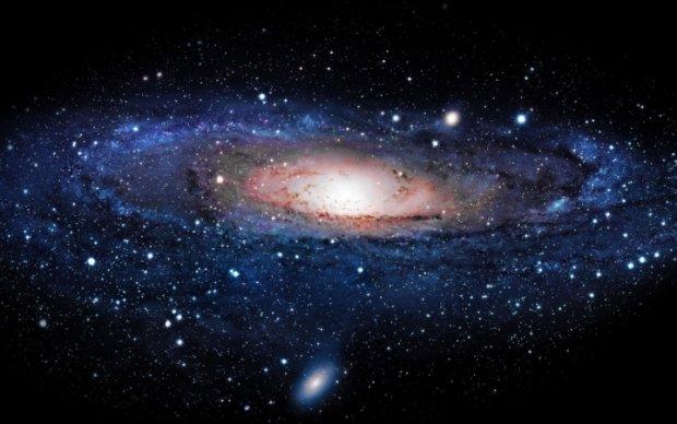 Hubble зафільмував галактику, що поїдає себе