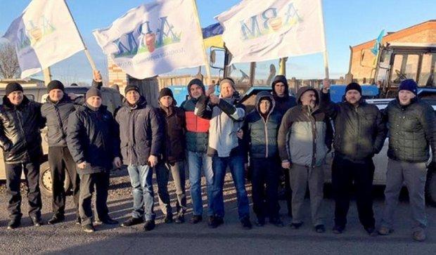 50 тисяч селян блокують дороги по Україні