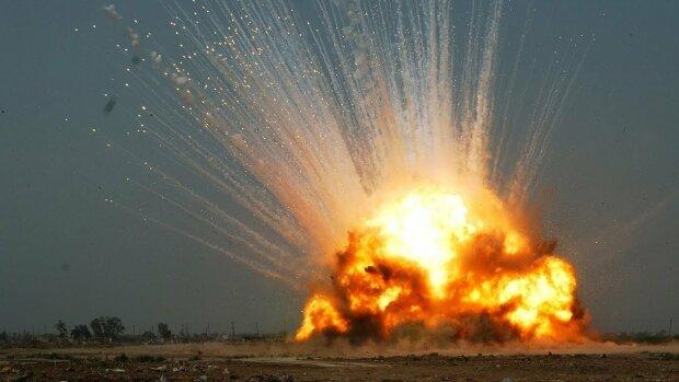 Донбасс содрогнулся от десятков мощных взрывов: из ООС пришла тревожная весть