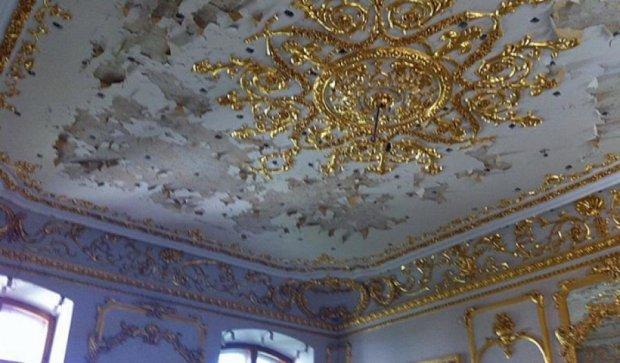 Как в Киеве уже восемь лет реставрируют Мариинский дворец (фото)
