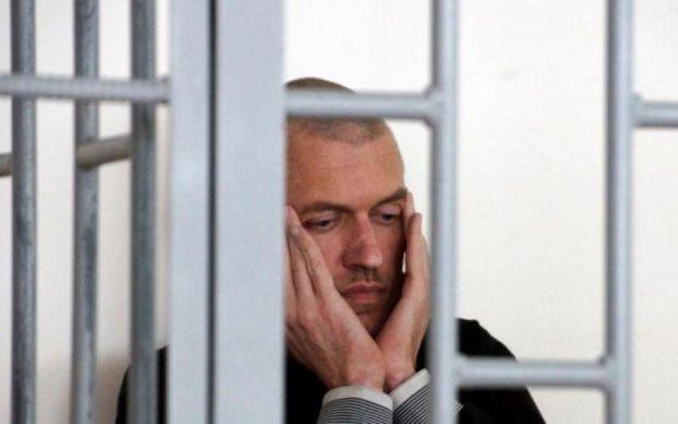 Вслед за Сенцовым: еще один узник Кремля объявил голодовку