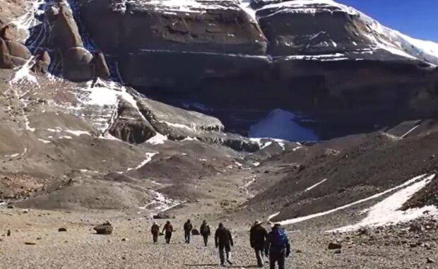 Гора Кайлас у Тибеті, скріншот: YouTube