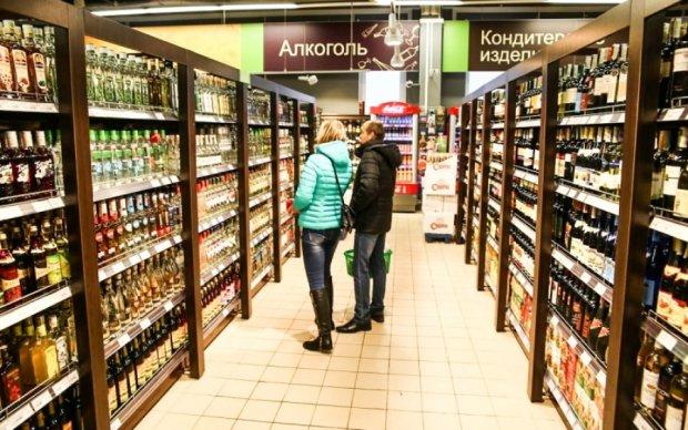 Киевской власти не дает покоя разрешение на ночную продажу алкоголя