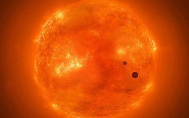 Уфологи б'ють на сполох: загадковий трикутник пролетів біля Сонця