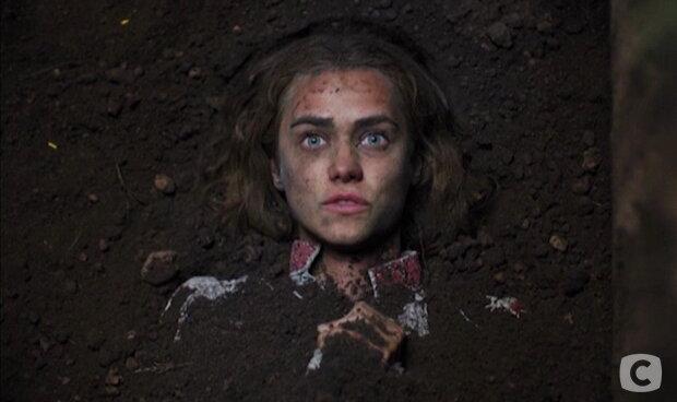 """Головна героїня """"Кріпосної"""" розповіла про жахіття на зйомках: """"Вирили могилу і не давали дихати"""""""