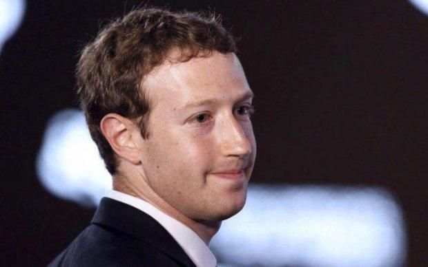Apple удалила мобильное приложение от Facebook