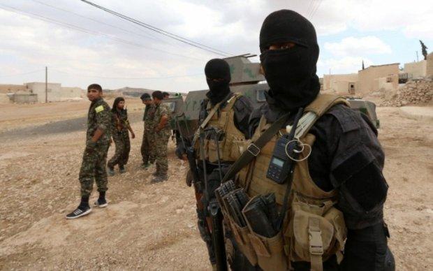 Сирийские повстанцы взяли в осаду оплот боевиков ИГ