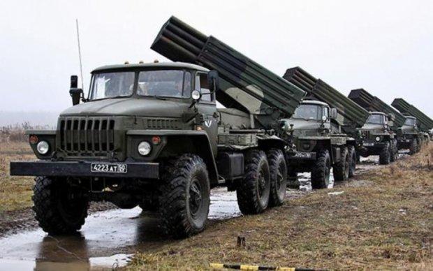 Боевики стягивают Грады и бронетехнику под Луганск