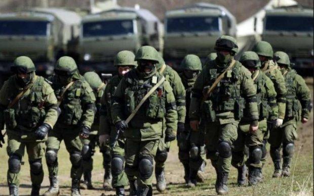 Россия стягивает военную технику в Крым: что происходит