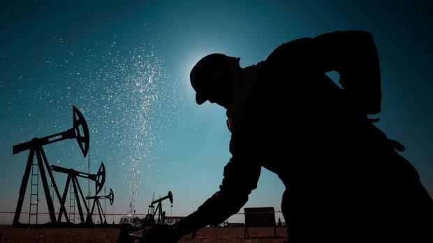 Побили все рекорды: цены на нефть достигли шокирующего максимума