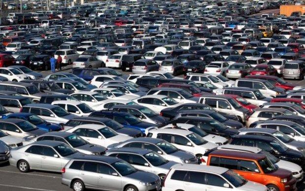 Герои парковки, готовьтесь: каждого криворукого водителя теперь можно будет найти по имени