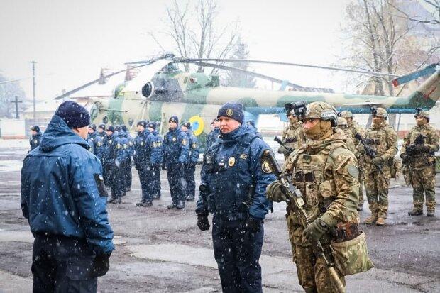 Зеленського благають ввести Нацгвардію в Мукачево