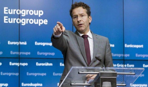 Єврогрупа продовжує вирішувати долю Греції
