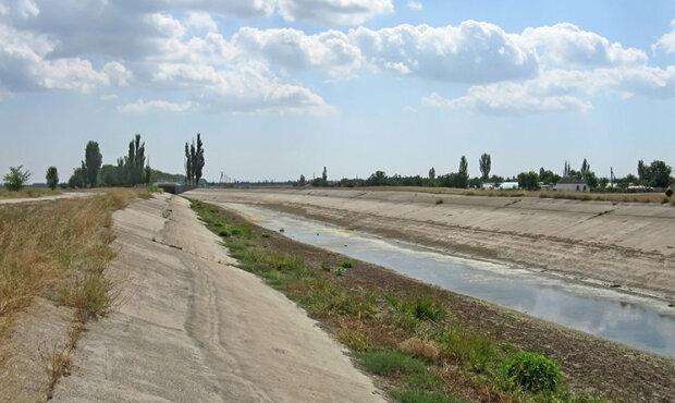 Путін залив у крани кримчан нечистоти замість води