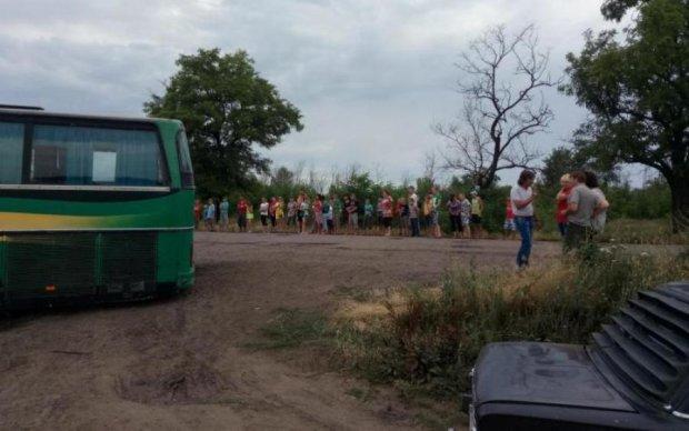 В Киеве водитель школьного автобуса умер прямо на ходу