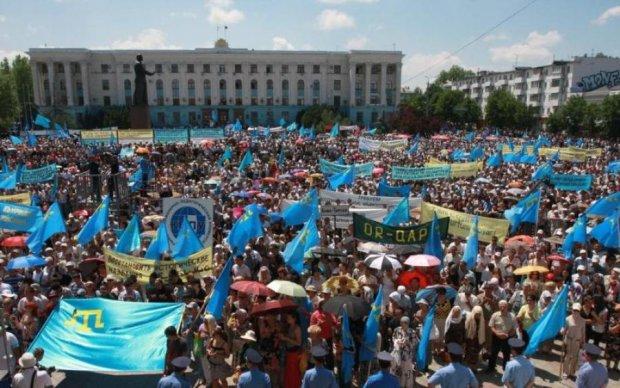 У Криму попрощалися з загиблою активісткою: перші кадри