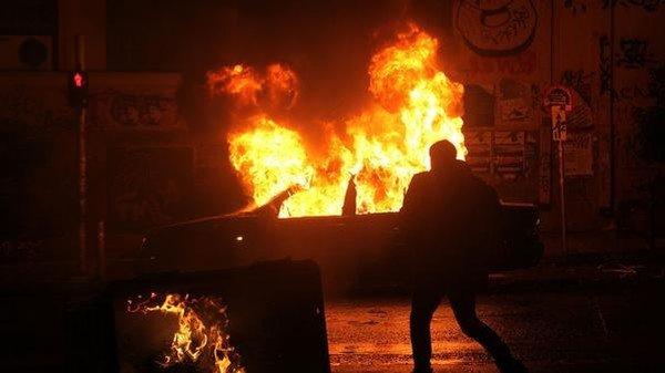 Киянин живцем згорів у власному авто