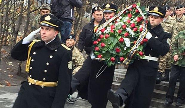 В столичном Парке Славы почтили погибших украинских пехотинцев (фото, видео)