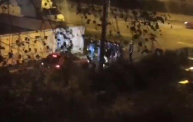Підлітки в Києві, скріншот відео